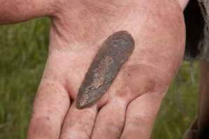 bronze-age-flint-knife-360.jpg